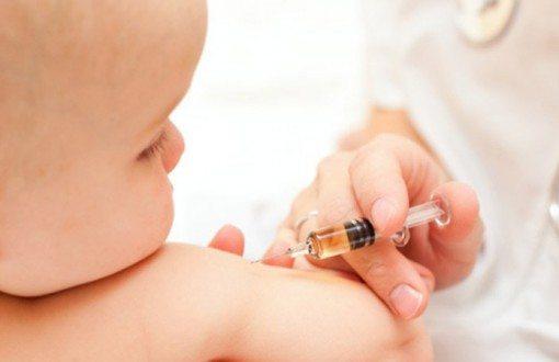 bebe-vaccination