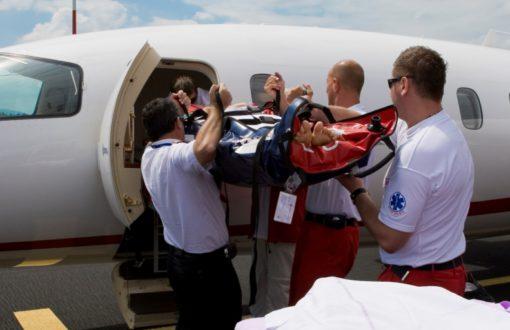 En cas de problèmes de santé à l'étranger, une assurance rapatriement peut proposer des solutions d'assistance et de prise en charge.
